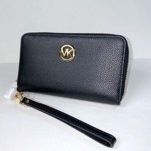 SALE ! Michael Kors Large Fulton Phone Wallet  Wristlet
